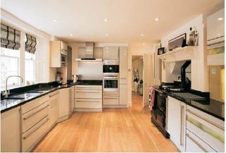 Craig-house-kitchen-with-aga