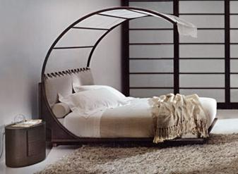 Mantra-canopy-bed
