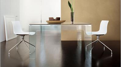 Sovet-frog-dining-table