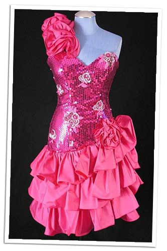 http://foreveramber.typepad.com/photos/uncategorized/2008/05/21/ugly_prom_dress.jpg